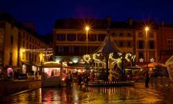 photo de nuit manège-place-saintcorentin