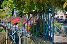 photo couleur d'une passerelle à quimper