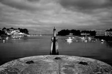 photo noir et blanc du port de douarnenez