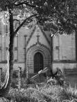 photo noir et blanc de la cathédrale saint-corentin à quimper
