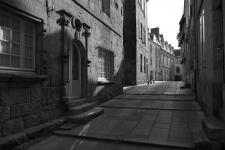 photo noir et blanc de la rue des gentilshommes quimper