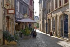 photo couleur de la rue du guéodet à quimper